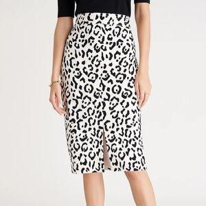 Ann Taylor Petite animal print pencil skirt/black